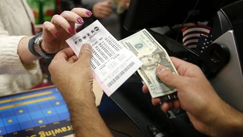Rất nhiều người Mỹ đã thành triệu phú nhờ mua xổ số. Ảnh: ABC News